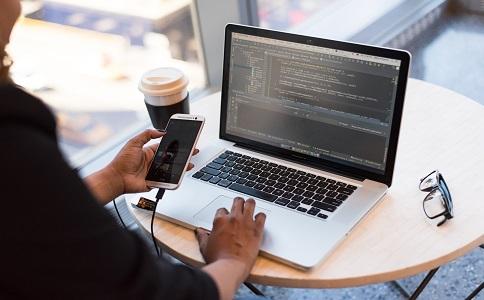 保证网站权重长期稳定取决于内容更新质量和外